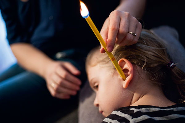 świecowanie uszu dzieciom