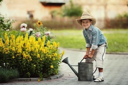 5 powodów dla których warto, aby dzieci pomagały nam w ogrodzie